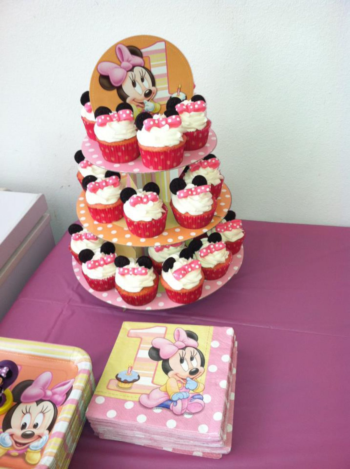 Minnie Mouse Cupcakes for 1st Birthday cake Cake Theater